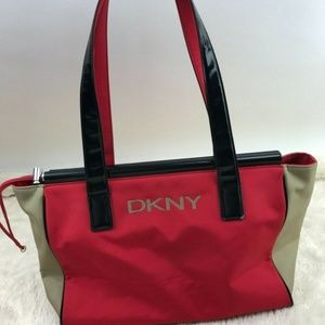 DKNY City Spell Out Red Nylon Purse Toggle Black T
